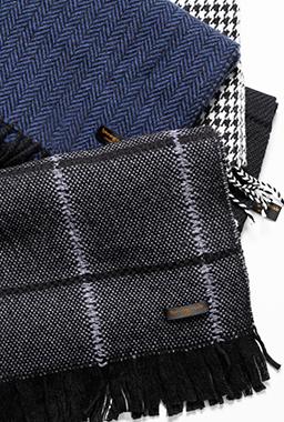大正の名機が織りなすマフラー 「武州織技」の上質ベーシック